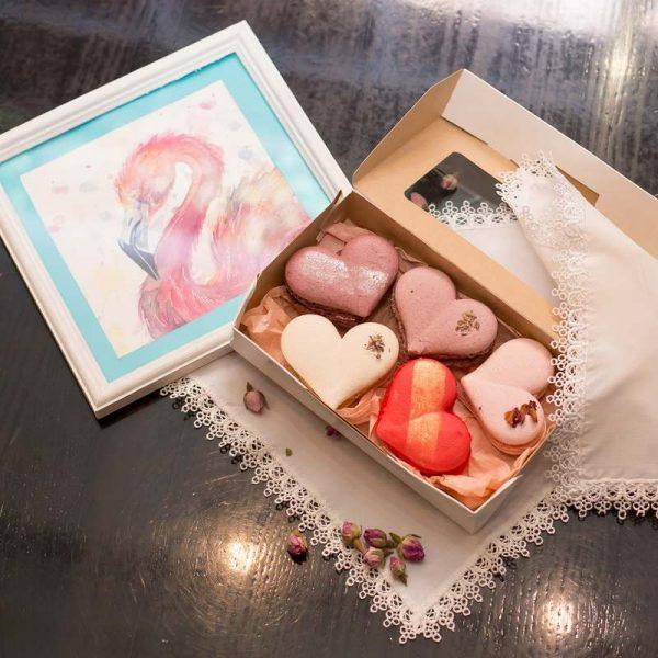 Набор подарочный к 14 февраля макаронс сердца
