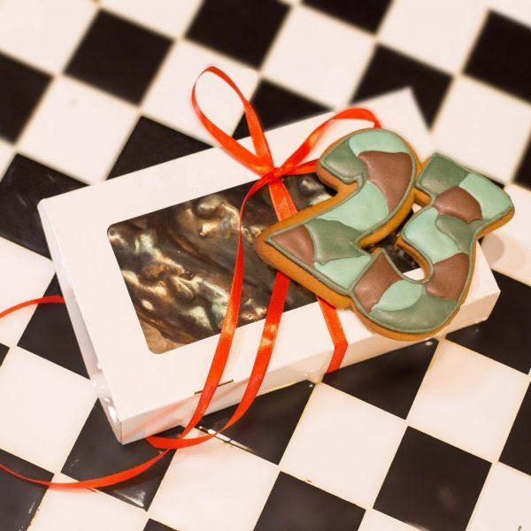 Набор подарочный к 23 февраля эклеры